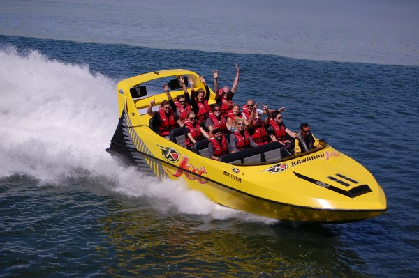 Enjoy an exhilerating Jet Boat ride in Rotorua - Book Now