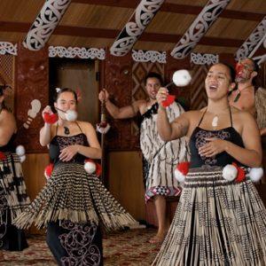 Te Puia - poi dance